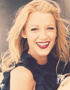 woman crush, girl crushes, makeup, blake lively, red lips