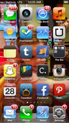 @garyvee Gary Vaynerchuk 19m  Show me your #homescreen here is mine pic.twitter.com/xANm5Y8Y