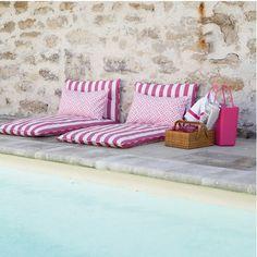 Pink poolside stripes. #splendideveryday