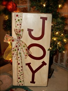 Darling Christmas distressed wood Joy sign! LOVE this! www.huckleberrycreation.etsy.com