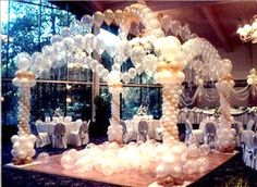 We love this impressive balloon decorated dance floor! What do you think?