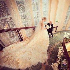 long tail lace wedding dress