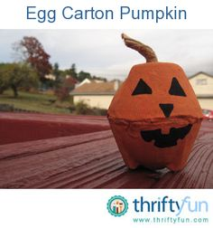 This is a guide about crafts using egg cartons. Egg cartons are an essential in many crafts for children, including seasonal decorations.