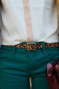 Leopard belt w colored jeans