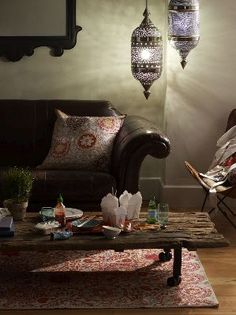 decor, coffee tables, pillow, living rooms, leather sofas, light, lanterns, leather couches, hanging lamps