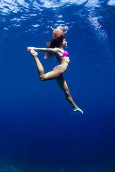 Underwater yoga/Sarah Lee