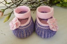 Knit Shoes for a Little Girl