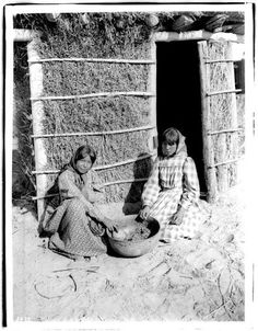 Chemehuevi girls - circa 1900