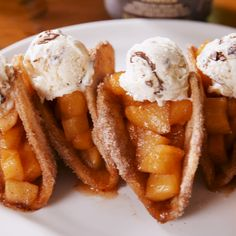 Apple Pie Tacos are SO much better than regular apple pie. #applepie #desserttacos #applepierecipes #apple #cinnamon #fruitdesserts #vanillaicecream #delish