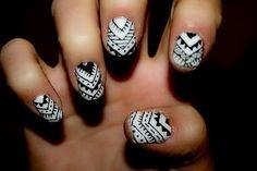 Black & White Aztec nails!