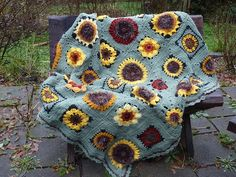 Ravelry: Sunflowers pattern by Mary Kelly Herrschners Crochet Afghans, 2008 National Afghan Contest Winners