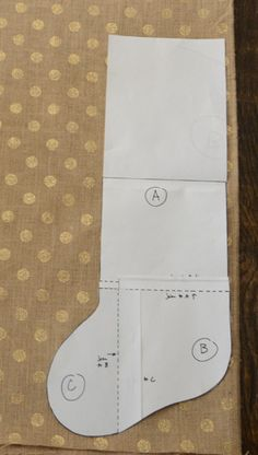 Dare to DIY: Burlap Stockings Tutorial @Sarah Gunnell it's even the fabric ice been looking for!