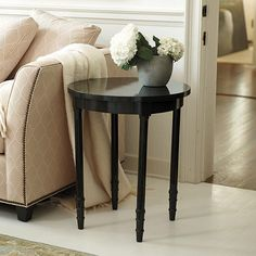 Lacquer Louis Round Accent Table