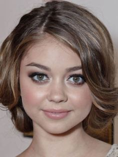 Sometimes in the summer you want to go for a short cut but don't want to actually lose any length. Sarah Hyland has the right idea, pinning the ends of her long locks underneath the rest of her hair near the nape of her neck with bobby pins.    Summer Hairstyles 2012 Cosmopolitan Sexy Summer, Sarah Hyland Makeup, Faux Bobs, Shorts Style, Beauty, Hair Care, Summer Hairstyles, Shorts Cut, Hairstyles 2012