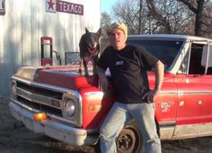 street outlaws | PHOTOS VIDEOS Farmtruck, the 1970 Chevy sleeper from Street Outlaws