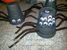 Turn paper cups into spiders! Easy and fun for the kids! http://www.lovinjosiah87.blogspot.com