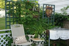 My deck decor , usually have flowers in the old tub.Love my old tub <3