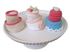 Clumsy Cake -  Free pattern clumsi cake, cupcak, dansk diy, sachet dansk, cake sachet, crochet patterns, mini cakes, cake crochet, amigurumi patterns