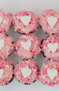 heart cupcakes... adorable <3