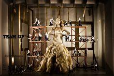 Escaparatismo tienda novias Kleinfeld Bridal. Obra de Studio Blog – lab.
