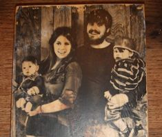 how to for transferring a photo to a block of wood.