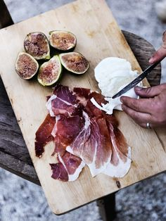 fig prosciutto and mozzarella
