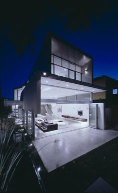 modern minimalist beach house