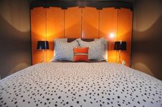 Gawgeous screens as a headboard