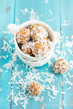 Carrot Cake Energy Balls | www.themessybakerblog.com