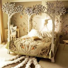 Fantasy 'wood' four poster bed