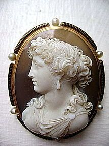 French Hard Stone Cameo 18K. Gold