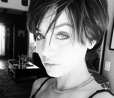 Ana de Armas vuelve a sorprendernos con un cambio radical de 'look' #haircut