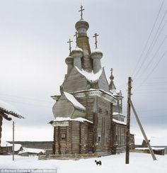 Abandoned wooden Church - Vologda Oblast, Russia. // via O'More student Allyson Tate