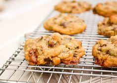 Toffee chocolate pretzel cookies