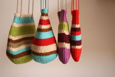 fun striped crochet bags - could use these types of color scheme stripes for hats