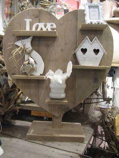 Leuk steigerhout hart om te decoreren