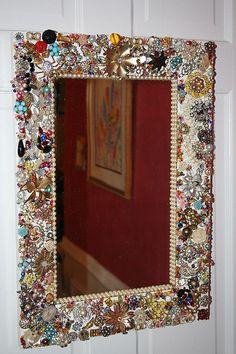 bead, jewelry necklaces, jewelry bracelets, jewelri mirror, vintag jewelri, little girl rooms, crafty vintage room decor, vintage style, vintage clothing