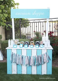 DIY ice cream shoppe