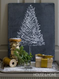 Chalkboard Christmas Tree. Can it get any simpler?!