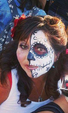 Dia de los muertos festival...Hollywood Forever Cemetery