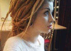 Google Image Result for http://data.whicdn.com/images/19817524/blonde-dreads-dredlocks-girl-gorgeous-Favim.com-242646_large.jpg