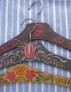 Vintage wooden clothes hangers hand painted. by MyNiftyBrocante