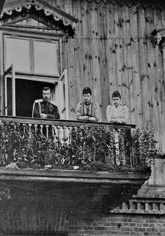 Nicholas II, Maria Feodorovna, Xenia Alexandrovna.