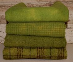 POISON APPLE GREEN hand-dyed by Wool-N-Wares @ http://stores.shop.ebay.com/wool-n-wares