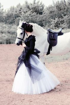 Dress matches the horse.