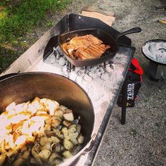 Steak and potatoes in cast iron yep.. #castironcooking #campfirecooking #outdoorsorbust
