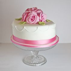 Cakes small floral ruffles and butterflies on pinterest - Objetivo cupcake perfecto blog ...
