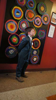 kandinsky #artiststudy #kandinsky #wassilykandinsky #circles #shapes #colors #concentric #preschool #preschoolart #art #prek #artdisplay