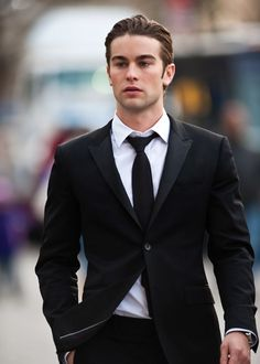 in LOOOVVVEEE! My absolute fave :) sooo handsome! Chace Crawford*