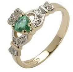 Pretty Claddagh ring design
